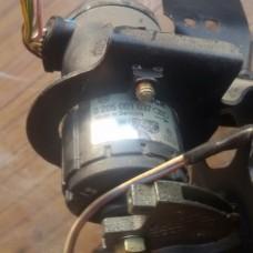 Датчик положения педали акселератора Bosch 0205001037 (VW Passat B4)