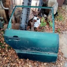 Дверь задняя правая (VW Passat B4)