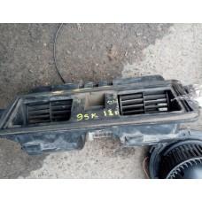 Двигатель отопителя (моторчик печки) Ford Escort
