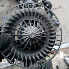 Двигатель отопителя (моторчик печки) Behr 29346 (MB W210)
