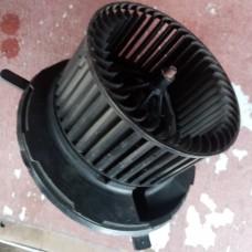 Двигатель отопителя (моторчик печки) (VW Golf Plus V)