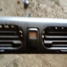 Кнопка аварийной сигнализации (Mazda 626)